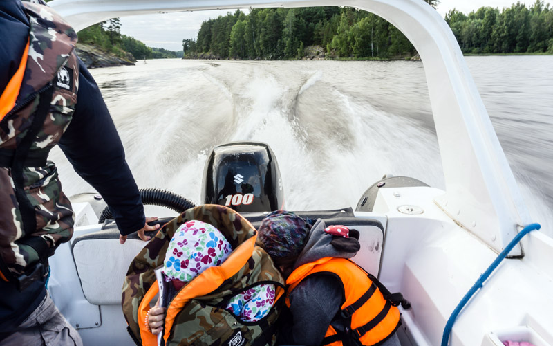 Аренда катера на Ладожском озере 100 л с