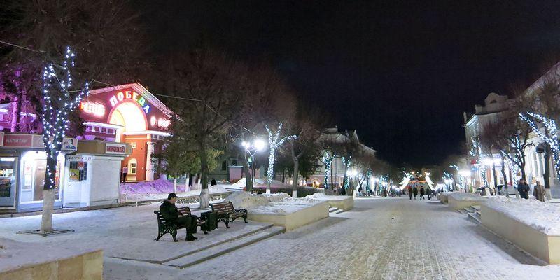 Красиво украшенные улицы и места Орла: улица Ленина.
