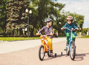 Как научить ребенка кататься на двухколесном велосипеде