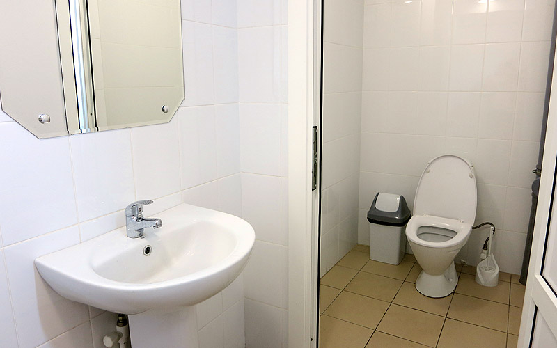 Туалет бассейн в Улыбке Старый Оскол