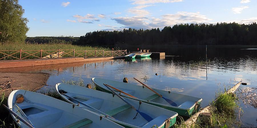 Аренда весельных лодок и лодок с мотором