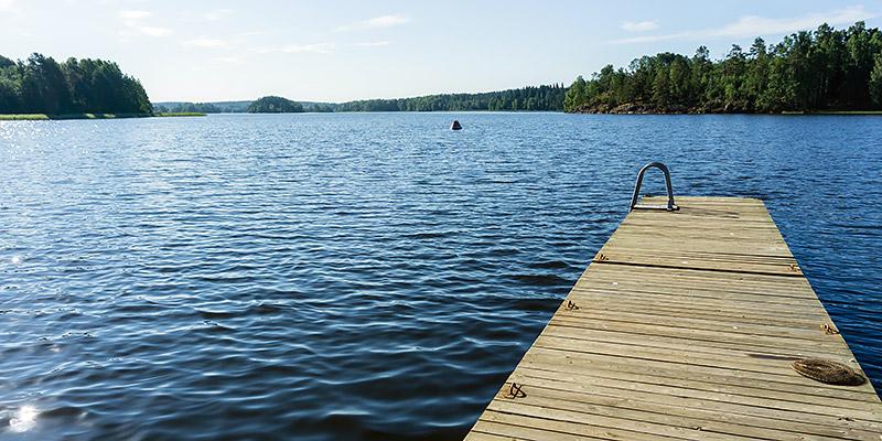 Причал на берегу Ладожского озера Кильпола