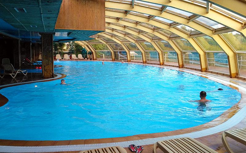Бассейн Яхонты Ногинск для взрослых аквапарк горки