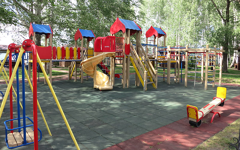Детский городок в Улыбке