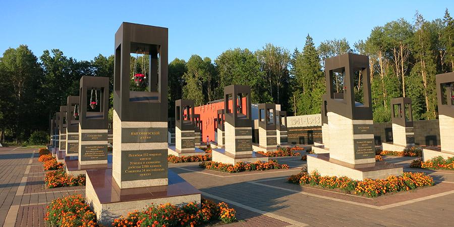 Хацунь: 28 стел в память о жертвах фашизма во всех 28 районах Брянской области