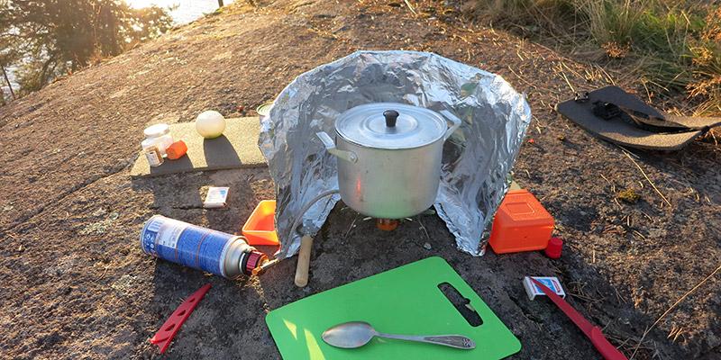 Как приготовить ужин на острове в Карелии с газовой горелкой