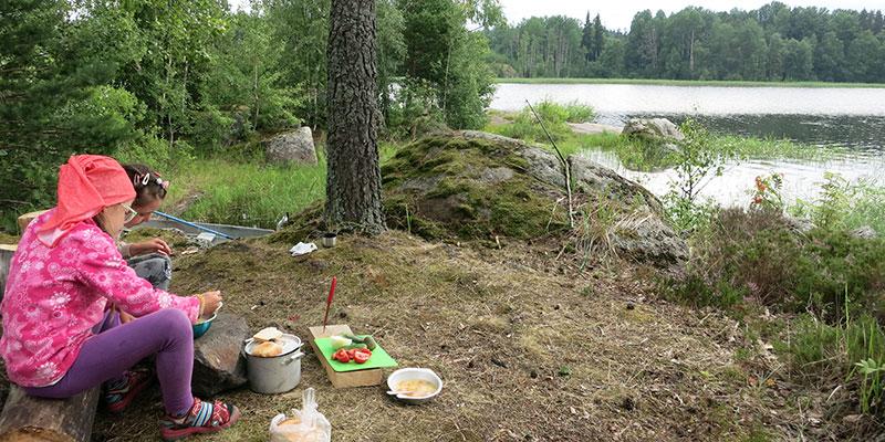Приготовить обед в походе с детьми на острова Пиенисаари в Карелии