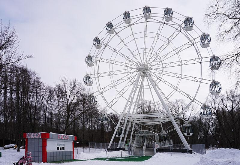 Колесо обозрения в Нижнем парке Липецка