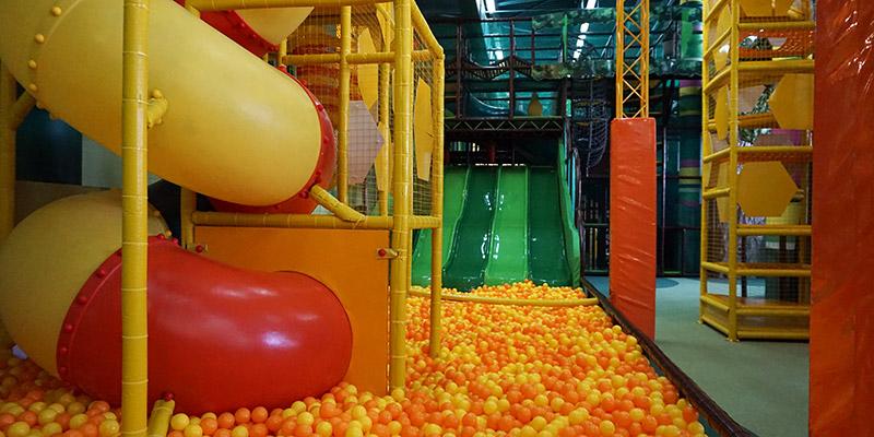 Бассейн с мягкими шариками