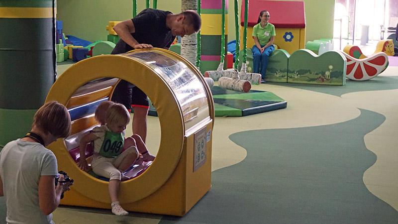 Детский аттракцион карусель Радуга в Стране Медведии Сочи Парк
