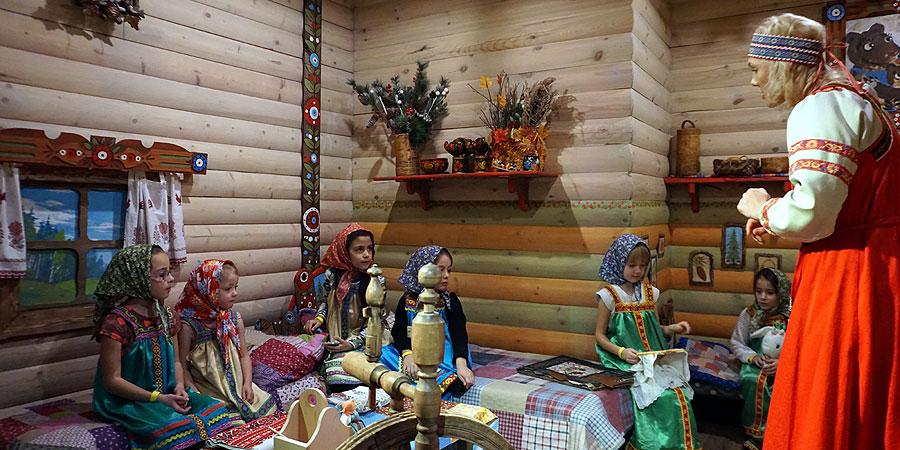 Сказочные костюмы в интерактивном музее Сказкин дом