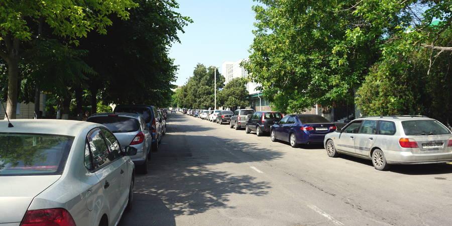 Парковка на улице Калинина