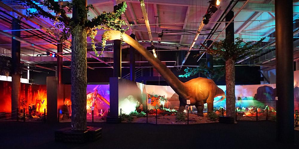 Динозавр маменчизавр Диноклуб Адлер