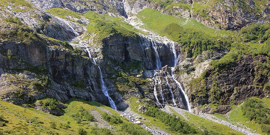 Гора София и ее ледники и Софийские водопады