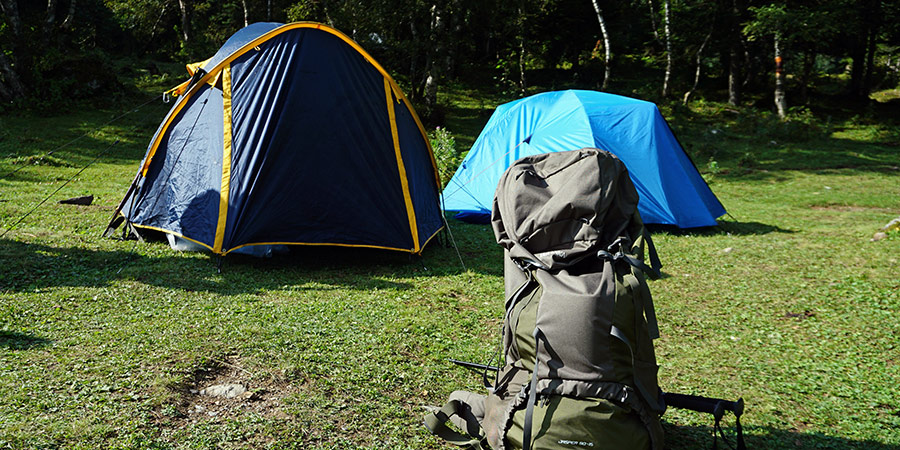Установка лагеря в Софийской долине