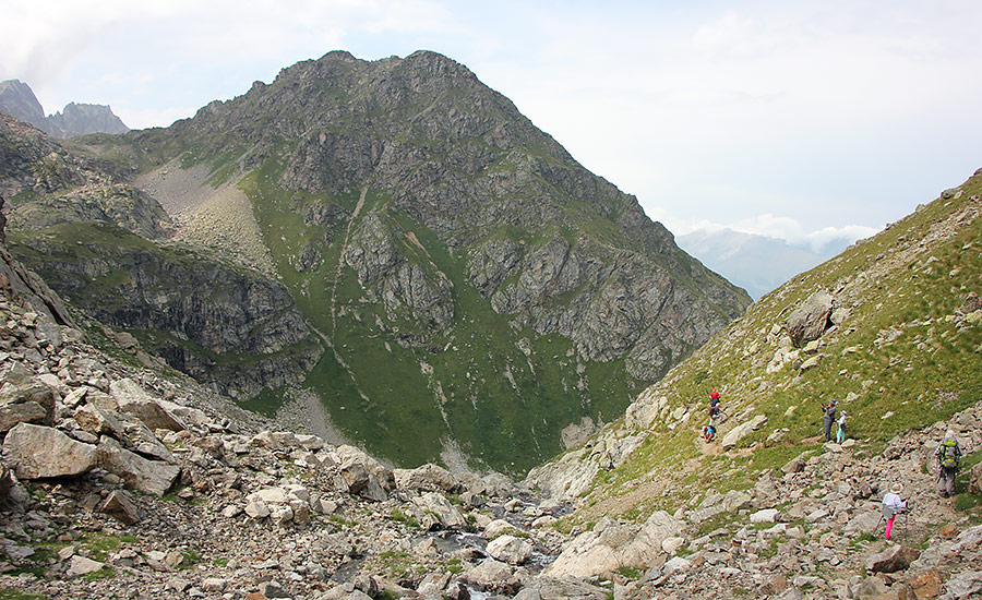Долина ручья Кашха-Эчкичат
