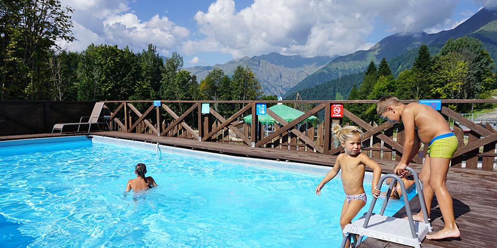 Курорт Газпром в Красной Поляне открытый бассейн