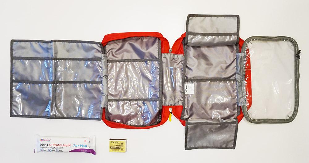 Большая походная аптечка Tatonka First Aid Kit L в разложенном состоянии