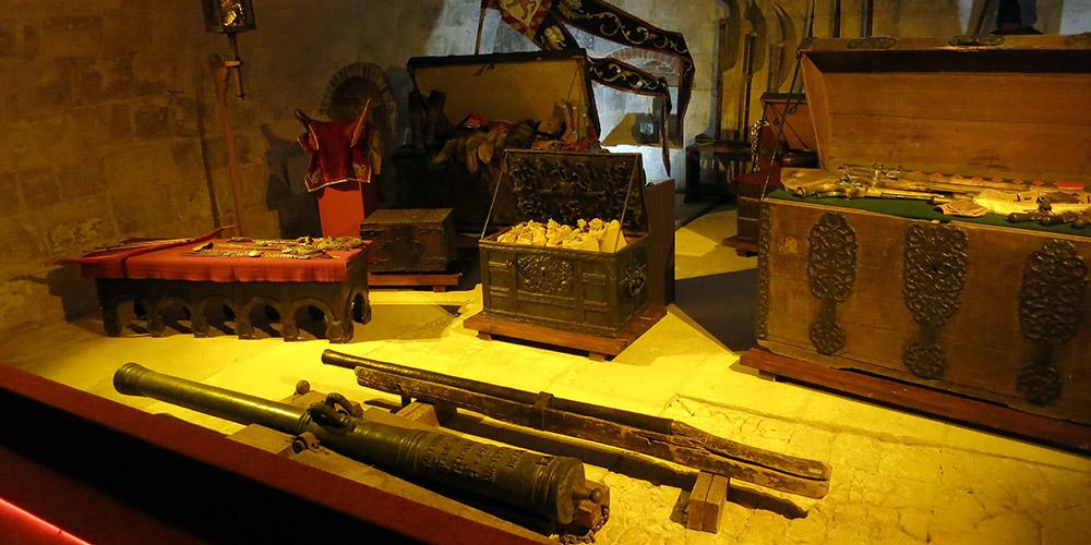Ручное огнестрельное оружие в белокаменном подвале