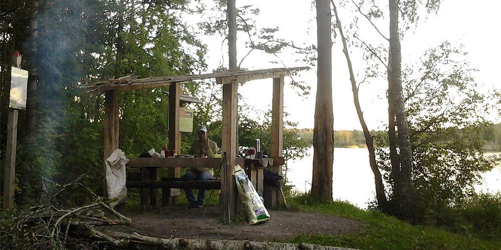 Стоянка на озере Находно в национальном парке Валдайский