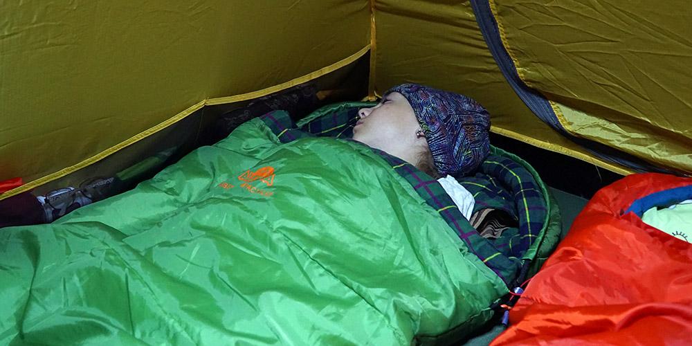 Спальный мешок Alexika Siberia Compact Plus в походе по Карелии