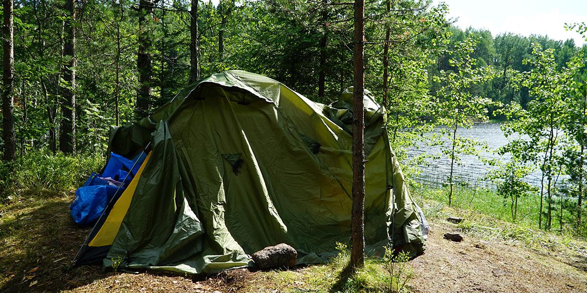 Палатка на острове Мунккисаари в Ладожском озере 2