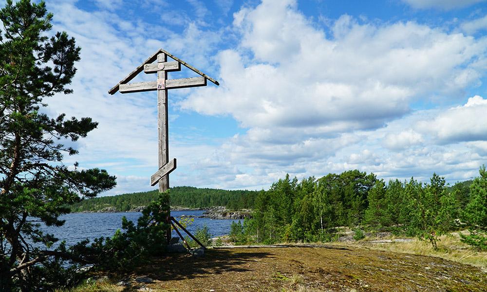 Крест на крестовом острове Ристисари