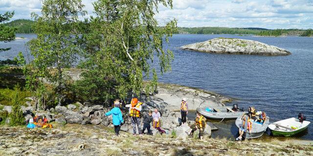 Сколько стоит отдохнуть на озере в Карелии