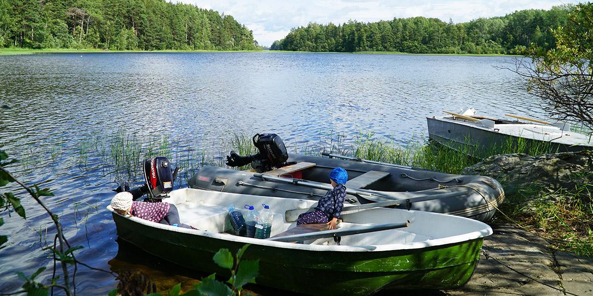 Аренда лодок с мотором на базе отдыха в Терву