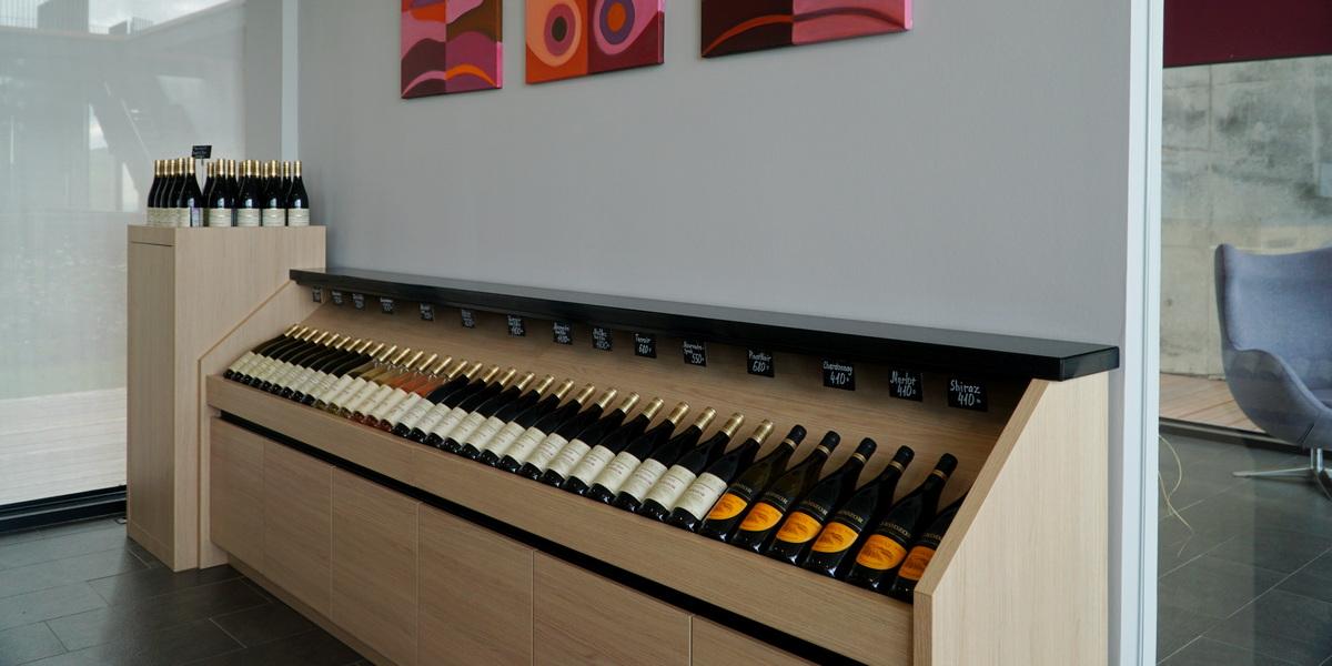 Вино Гай-Кодзор в фирменном магазине