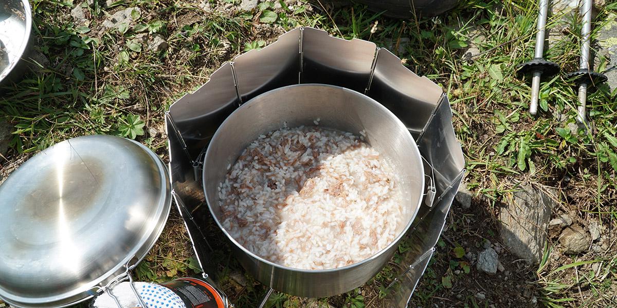 На обед рис с тушенкой