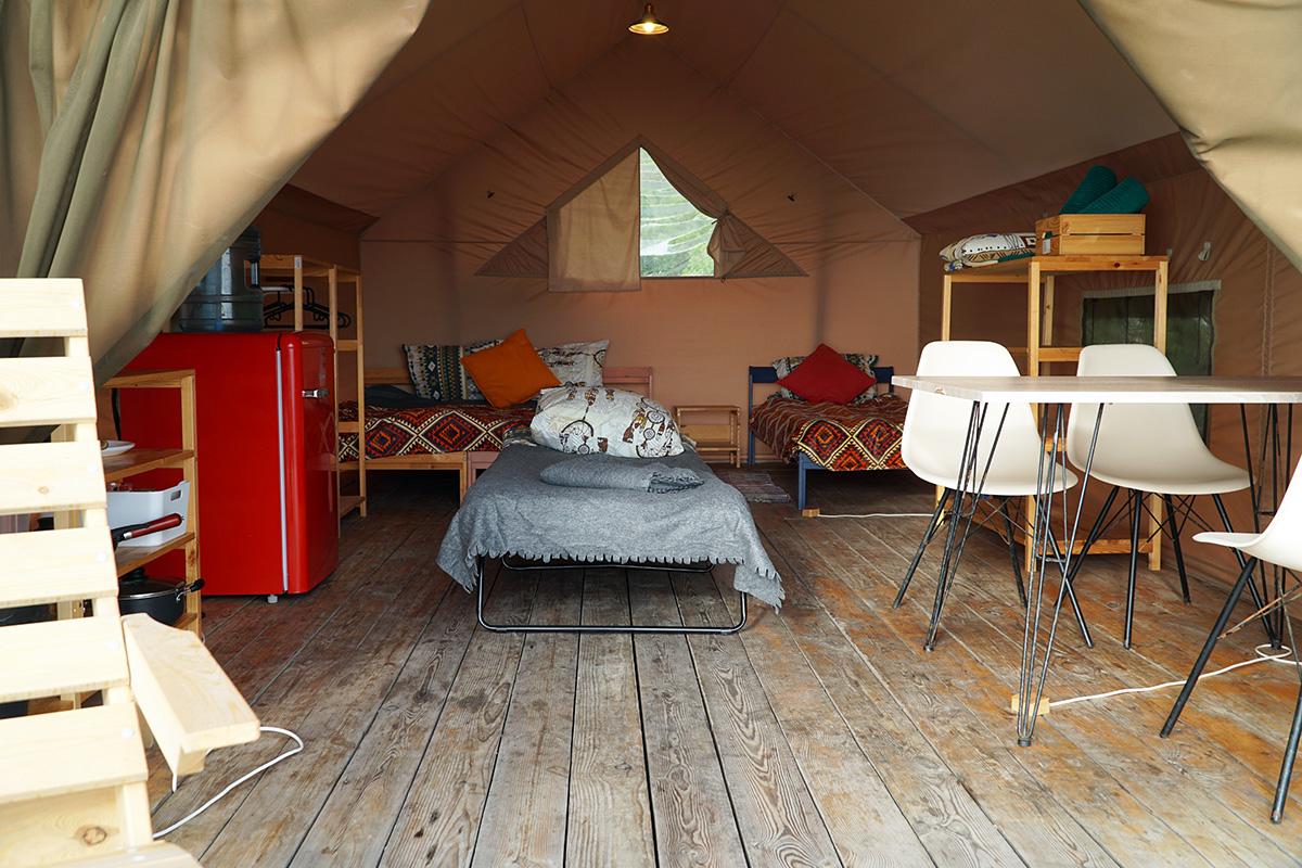 Сафари тент домик палатка в кемпинге на Черном море